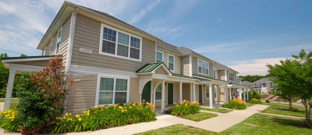 Hunting Creek Apartments and Townhomes
