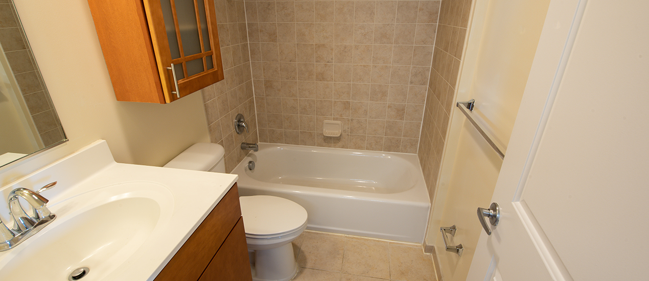 Bathroom with tile surround